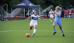 Women's soccer improves to 4-2, Richardson selected as defensive player of the week